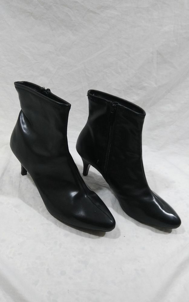 a85ec8b9eb5e IMPO Stretch Size 11M Zip Back Women s Nevada Ankle Boots Black Leather   ImpoStretch  AnkleBoots  Everyday