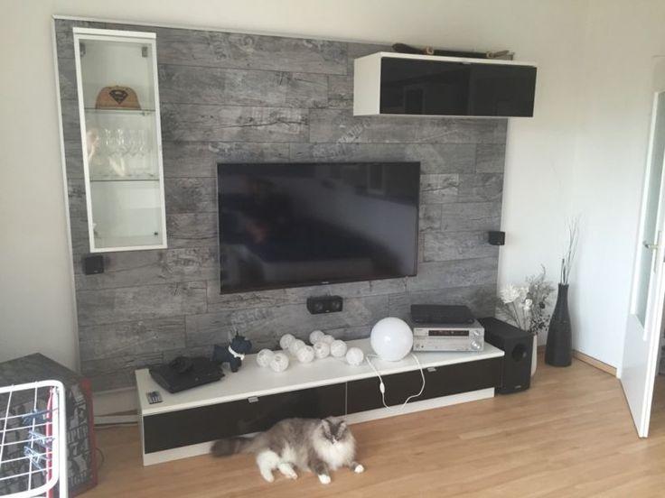 Gut Erhaltene TV Wand Von Tejo Bestehend Aus Hngevitrine Ca 34x99x34cm Weiss
