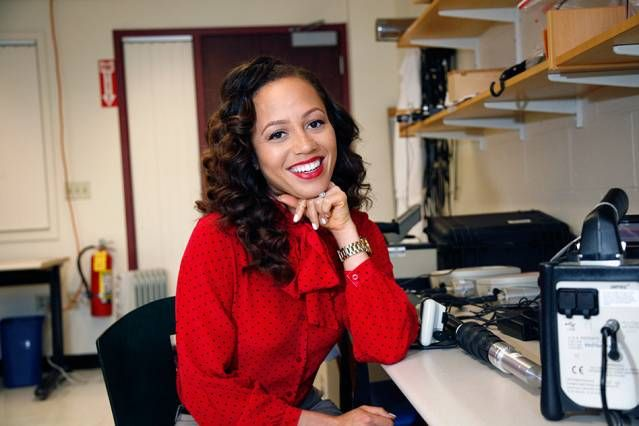 FAMU grad Mareena Robinson is now a fourth-year PhD candidate at MIT in nuclear science and engineering https://newsoffice.mit.edu/2014/unexpected-path-nuclear-engineering-mareena-robinson-0618