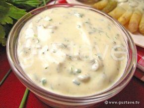 Très bonne petite sauce que j'ai utilisée pour accompagner les pavés de saumon. Peut aussi être utilisée pour une salade à mon avis.