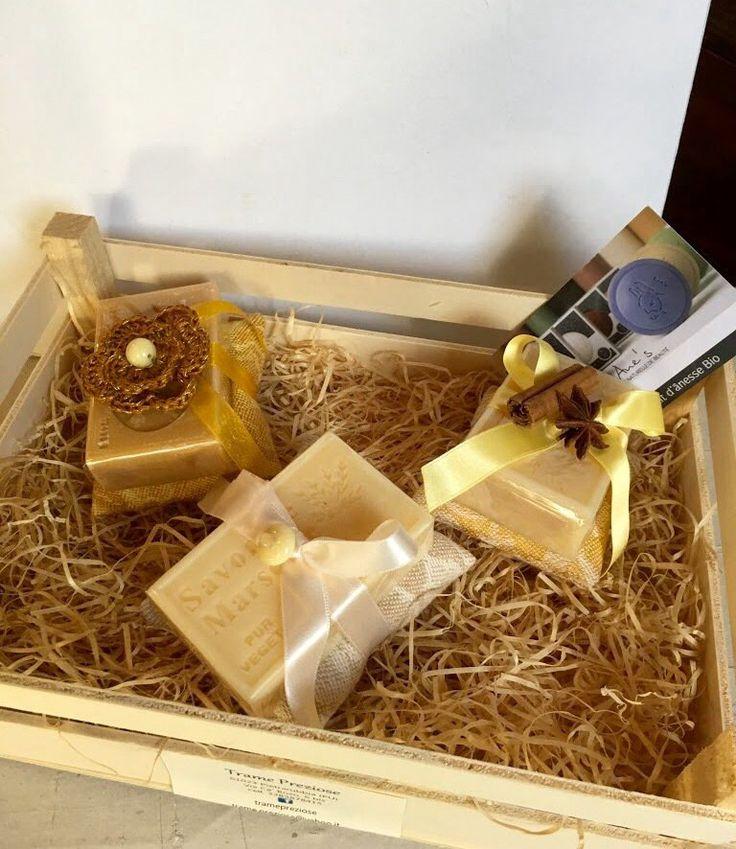 Tris di saponette provenzali gialle con cuscinetti damascati, by L' Atelier di Trame Preziose, 19,50 € su misshobby.com