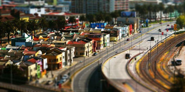 Valparaíso usando efecto tilt-shift. Foto de Herman Raygada.