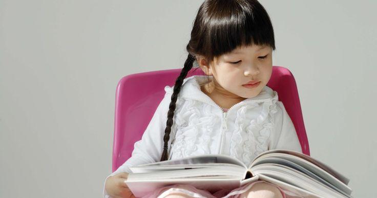 Como escrever a biografia de uma criança. Escrever biografias para as crianças é uma tarefa emocionalmente gratificante, tanto para o escritor quanto para o biografado. Ela pode criar momentos especiais de lembrança e um registro dessas memórias para quando a criança crescer.