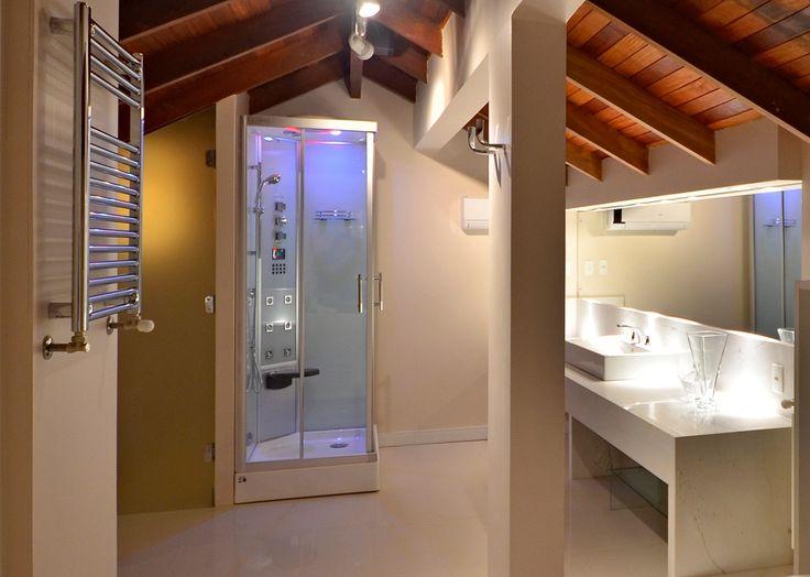 Cabine de Banho com Sauna Cielo da Unique SPA instalada na suíte presidencial de Hotel em Gramado - RS!  www.uniquespa.com.br