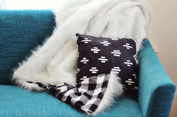 Faux fur and flannel blanket DIY