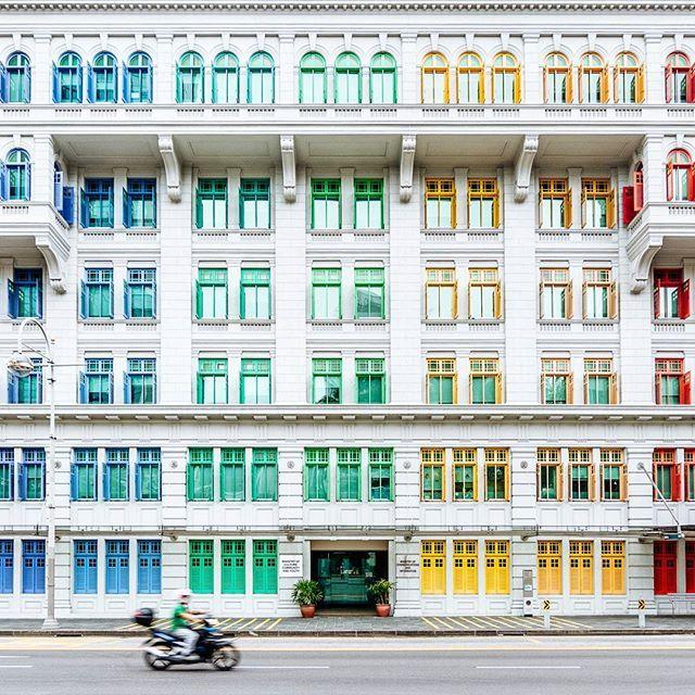 @marc_nouss ||  Colorful Singapore ✨ Bonne journée les amis 😊 Have a beautiful Sunday my dears 😘 #PhotogRATPhie  With @TheClubSingapore, @Singapour.Tourisme & @Visit_Singapore #YourSingapore #SingaporeLive #GetIntoSingapore  #singapore #thisissingapore #exploresingapore #visitsingapore #huntgram #vscocam #livefolk #liveauthentic#vsco#socality #welltravelled #neverstopexploring #wildernessculture #letsgosomewhere #visualsoflife #justgoshoot #finditliveit #wu_asia #world_vacations