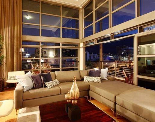As you enter the Apartment to rent in Cape Town building you are literally surrounded by the magnificent views that the building takes advantage of- by incorporating many large windows and glass walls.