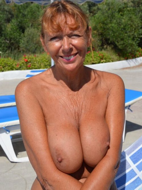 milfs at home naked
