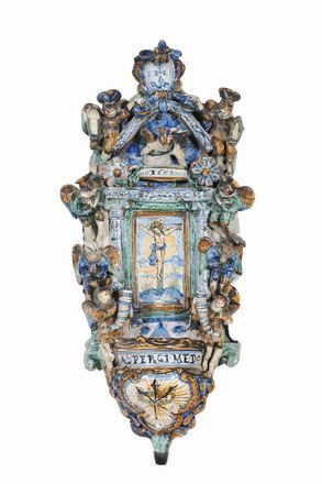 Acquasantiera in maiolica a decoro policromo, XVII secolo