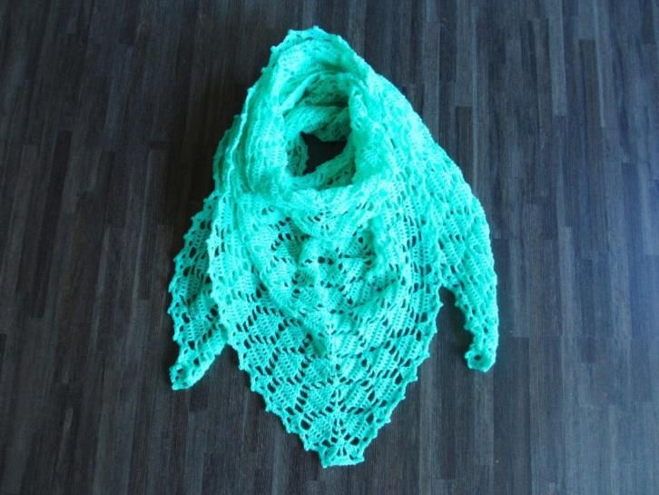 gehaakte omslagdoek/sjaal mint groen