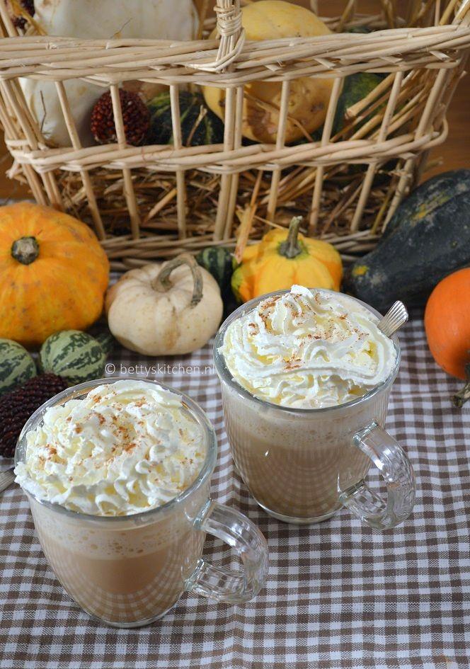 Elk jaar kijk ik weer uit naar het moment dat de 'Pumpkin Spice Latte' weer verkrijgbaar isStarbucks! Deze koffie verkeerd is voor mij Herfst/Halloween/Feest in een kopje, en is alleen een korte periode te verkrijgen. Maar deze heerlijke koffie kun je ook gewoon zelf thuis maken. Essentieel is echter de Pumkin Spice mix, om die...Lees meer »