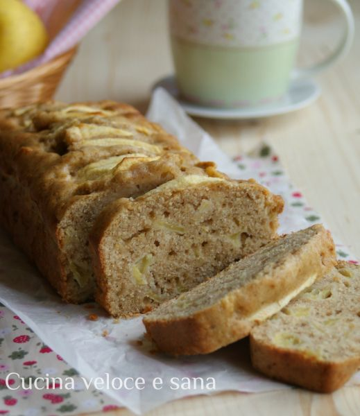 Plumcake alle mele con farina integrale... , oltre ad amarne il sapore, adoro il profumo gradevole che invade tutta la cucina mentre sono in forno...