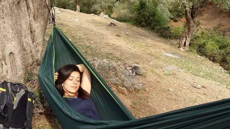 Gazete Duvar ///  Kaya tırmanışı yaparken düşüp öldü