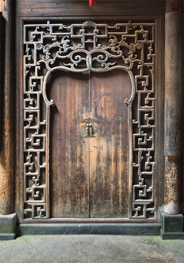 Antique Handcrafted wood door, The village of Xidi, Anhui, China 西递古宅内门 | by William Yu Photography / Photo Workshops