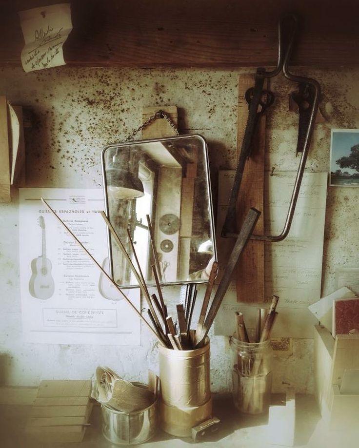 Atelier de lutherie #mirecourt #photography #photographer #marieroura #creditphotomarieroura #studio #luthery