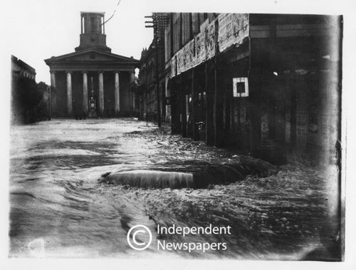 Great Floods of 1904: this is what St George's Street looked like during the great flood of 1904 when the city was flooded twice in one week (June 23 and 25) as a crushing wall of water descended from Table Mountain. On the second day the torrents of water which came rushing down Wale Street inundated buildings in St George's Street and in neighbouring areas. In the Gardens people had to wade through their living rooms. Jeffrey's Collection Archives.