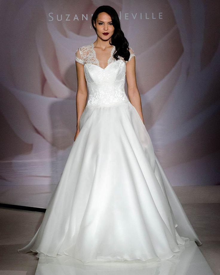 Vintage Wedding Dresses Glasgow: Honey V Neck Line (same Style As Leading