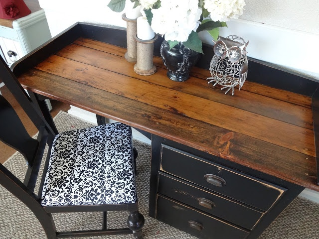 {createinspire}: Antique Plank Desk