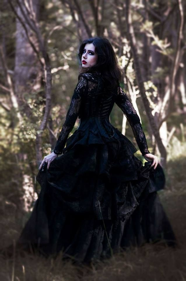 Model: Valeria Toloknova Photo:Matea Kevric Photography/MUA: Katarina Babic Outfit: Vdesign Welcome to Gothic and Amazing | www.gothicandamazing.com