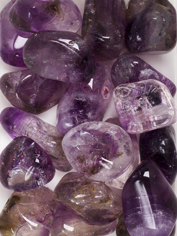 """紫晶 """"The Artist Stone"""" """"The Composer's Stone"""" Amethyst is the stone to increase your psychic powers! The protective powers of the amethyst are always good to have close to you."""