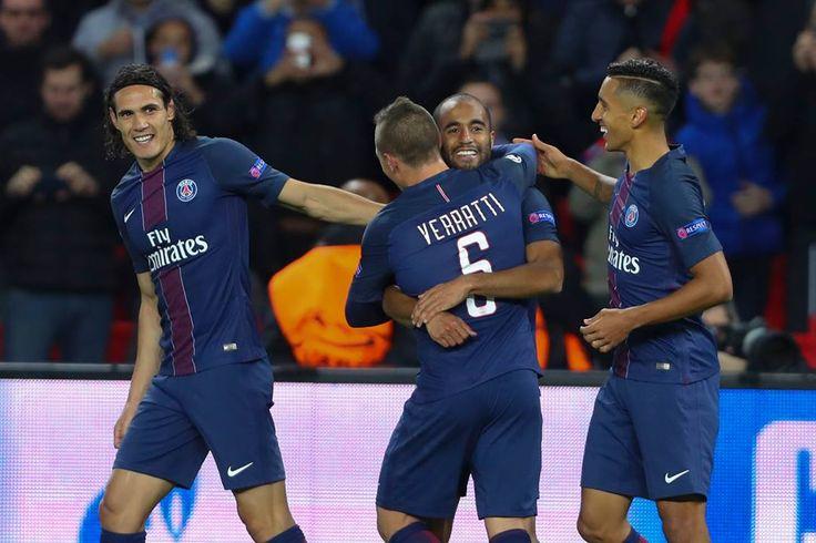 A tous les amoureux du foot, mardi ne manquez pas une soirée d'UEFA Champions League exceptionnelle.   > Le choc Paris Saint-Germain - FC Barcelone en 8ème de finale, est à suivre en direct et en exclusivité sur beIN SPORTS http://po.st/h7cy73