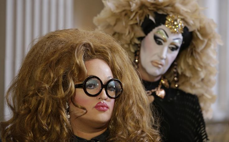 http://www.npr.org/blogs/alltechconsidered/2014/09/28/351810042/facebook-requires-real-names-what-does-that-mean-for-drag-queens?utm_medium=RSS&utm_campaign=storiesfromnpr&utm_source=digg