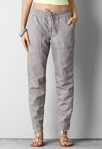 Linen Linen pants are usually associated with beach or resort holidays, and I'm drawn to their relaxed and casual feel.
