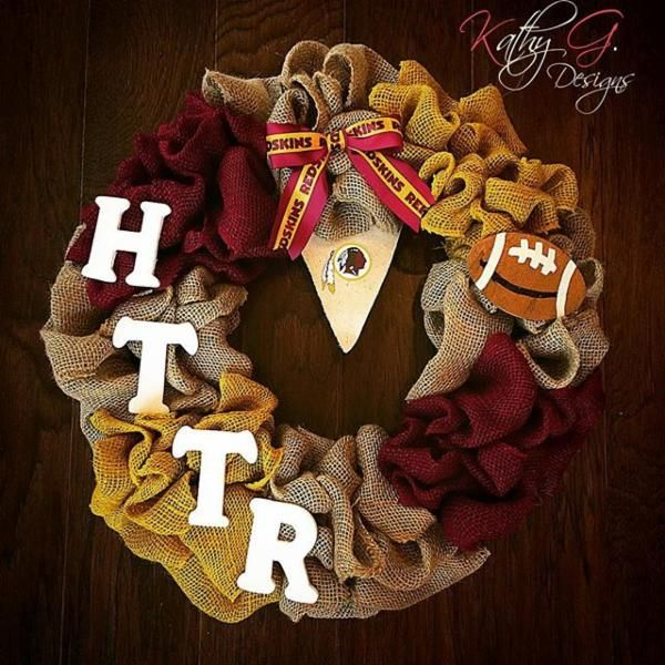 Another great #Redskins wreath to try for this holiday season! #HTTR