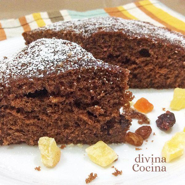 Este bizcocho exprés de chocolate tiene una elaboración muy rápida y fácil, además del tiempo de horneado.