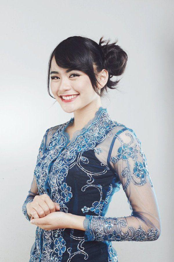 Riskha Fairunissa (@Ikha_JKT48) | Twitter