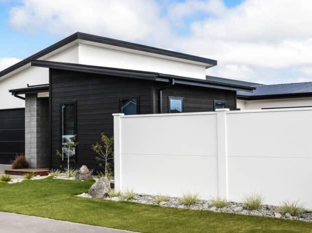 Elitewall Solid Fences Boundaryline New Zealand In 2020 Modern Fence Design Fence Design Fence