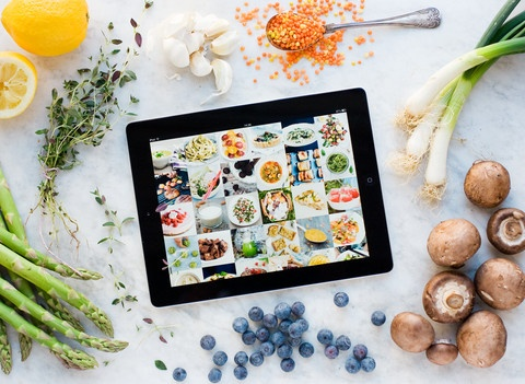 Green Kitchen App - Green Kitchen is an inspiring source of organic and tasty vegetarian food, with ingredients straight from the nature and a bare minimum of gluten, sugar and dairy products used