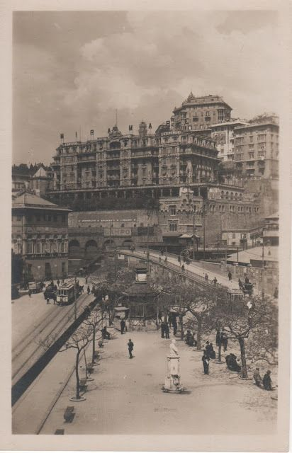 C'ERA UNA VOLTA GENOVA:  Piazza del Principe -  year 1910 - Prince square - at the left side the entrance of the Prince palace - at the upper side the new built grand hotel Miramare (blt 1908) .
