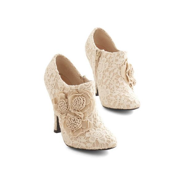 ModCloth A Lovely Change of Lace Bootie by ModCloth (85 BRL) ❤ liked on Polyvore featuring shoes, boots, ankle booties, heels, booties, tan, boot - bootie, bootie, heeled bootie and tan booties