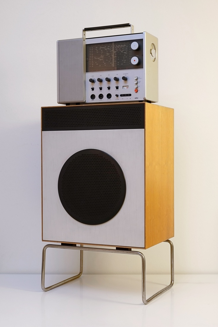 Braun L2 loudspeaker (1958) with Braun T 1000 world receiver (1963) #productdesign #braun