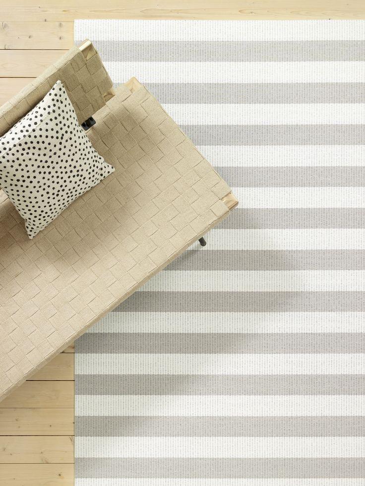 Woodnotes Big Stripe paper yarn carpet.