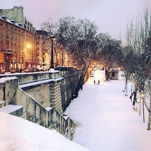 First of all, everyone knows you should NEVER visit Paris in the winter. It's disgusting. | 28 Reasons You Should Never Visit Paris