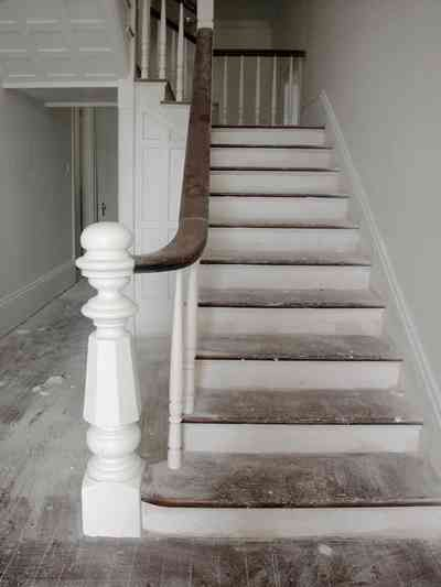 Top?? North-Hill:-200-West-Jackson-Street_22.jpg: staircase, front hall, bannister, newel post, heart pine floor, victorian house