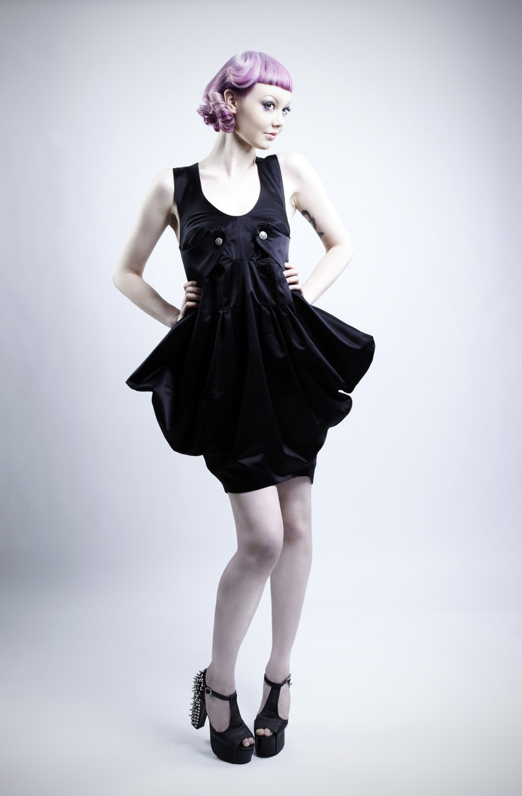 Wonderful colour and lovely dress by dead bird