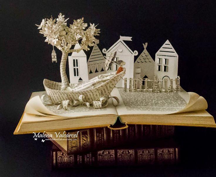 """Malena Valcárcel original Art: """"Viajando a una ciudad"""" Arte con Libros."""