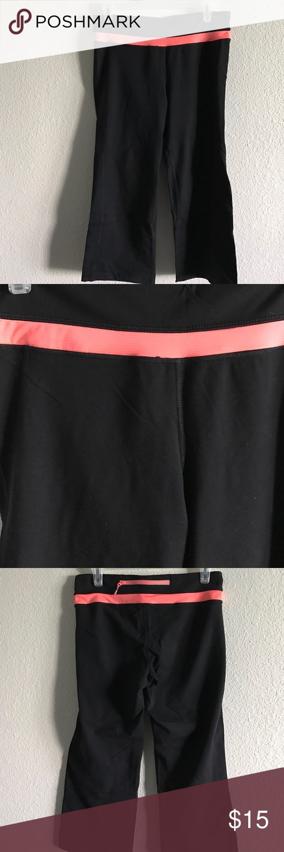 Kirkland Costco Capris Black & Pink Size M 🔶Kirkland(Costco) Capris Black/Pink🔶 🔶Size M🔶 🔶Fabric: 87% Nylon 13% Spandex 🔶 🔶worn a couple times🔶 🔶Zipper in back to hold personal items like keys🔶  🔶NO damage, snags, stains SMOKE FREE HOME🔶 Kirkland Other
