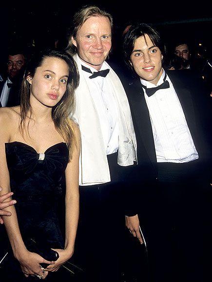 . Jon Voight acompaña a sus dos hijos, hija de Jolie y su ...