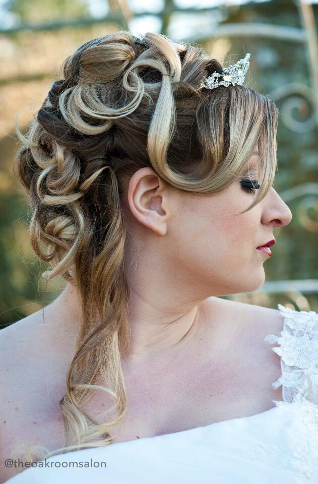 Wedding Hair by Kelly Folland, Makeup by Tania Joslin @ The Oak Room