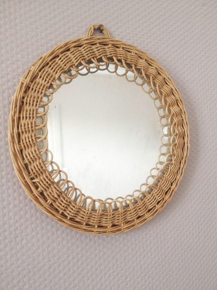 les 67 meilleures images du tableau miroir vintage tendance sur pinterest miroir vintage. Black Bedroom Furniture Sets. Home Design Ideas
