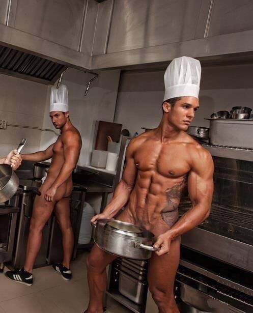 free-gallery-nude-guys-in-kitchen