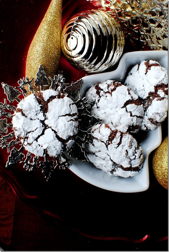 Christmas chocolate crinkle cookies. Intend on making these this year. I think I tried a different recipe last year and they didn't come out good.. so round 2! @Lisa Phillips-Barton Moniz