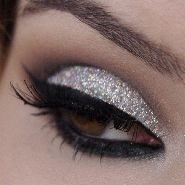 Love the sparkles ! Mac makeup