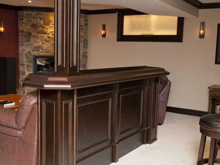 https://i.pinimg.com/736x/71/b2/4a/71b24aacf0d948865b5b355e175ed85a--table-bar-pub-tables.jpg