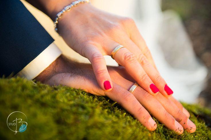 Klasyczne obrączki na dłoniach naszych klientów <3