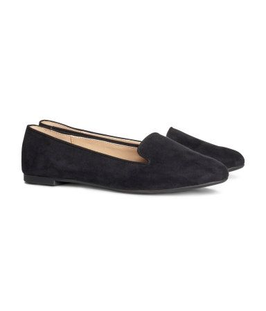 I want these loafers! They look good w/ almost every outfit I pinned on my board!